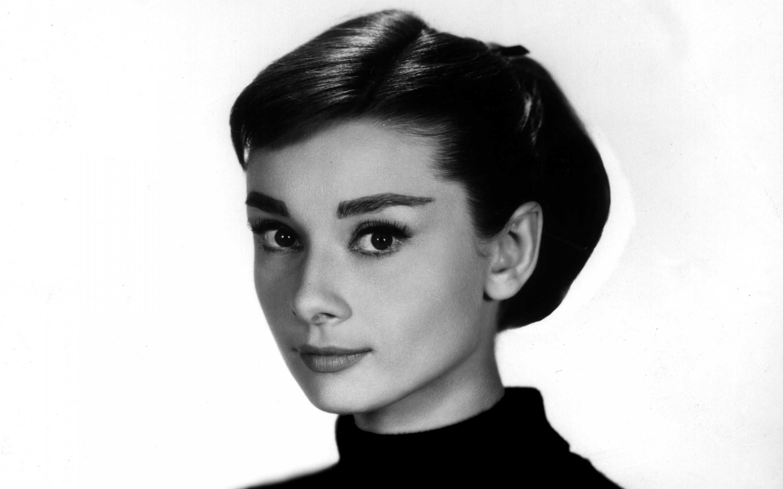 Audrey-Hepburn-Portrait-Everything Audrey (5) - Everything ...