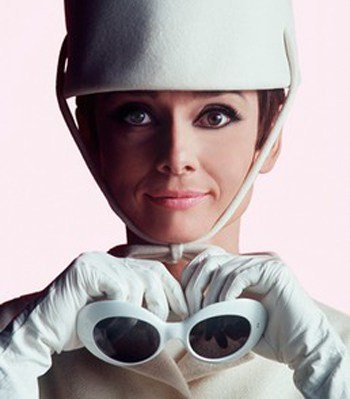 audrey oliver-goldsmith-audrey-hepburn-how-to-steal-a-million-sunglasses