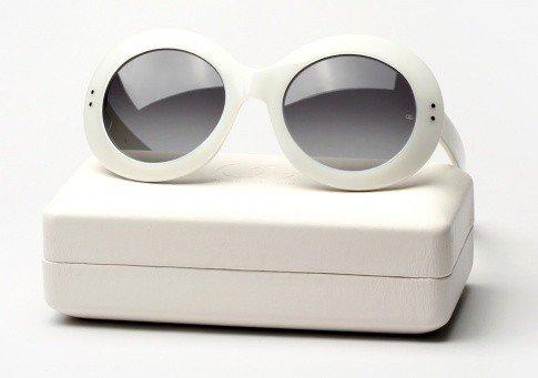 koko - Audrey Hepburn sunglasses 2