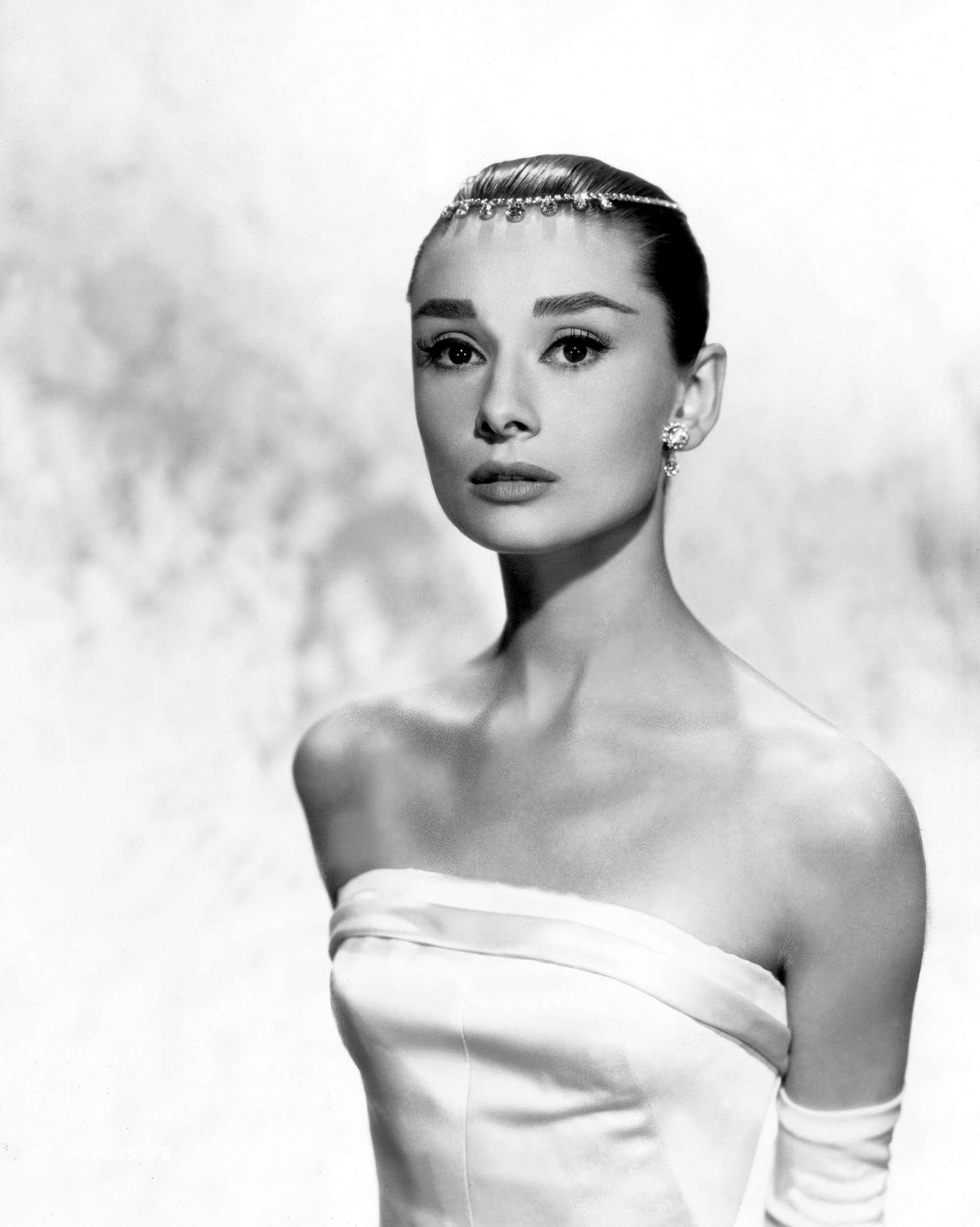 357da511e81 audrey-hepburn-style-icon-funny-face - Everything Audrey Hepburn