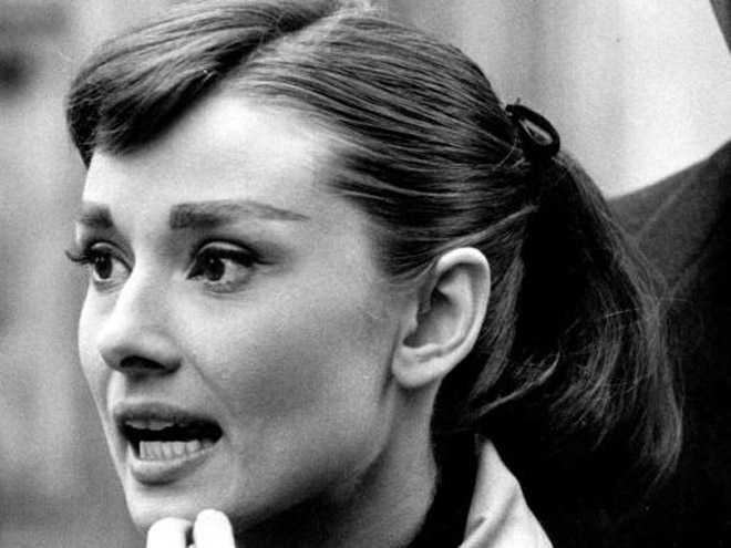 How To Get Perfect Audrey Hepburn Eyebrows