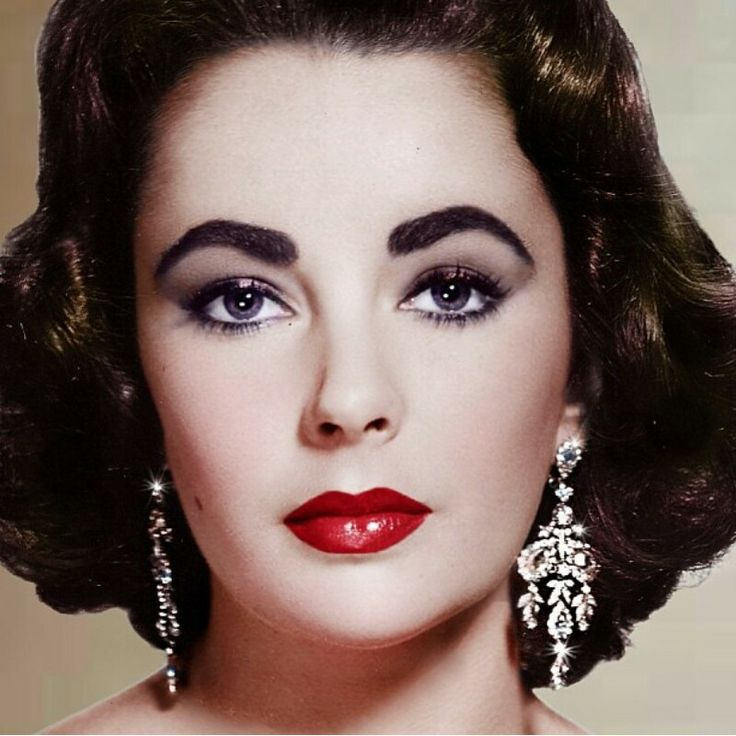 Elizabeth Taylor Eyelashes and Makeup