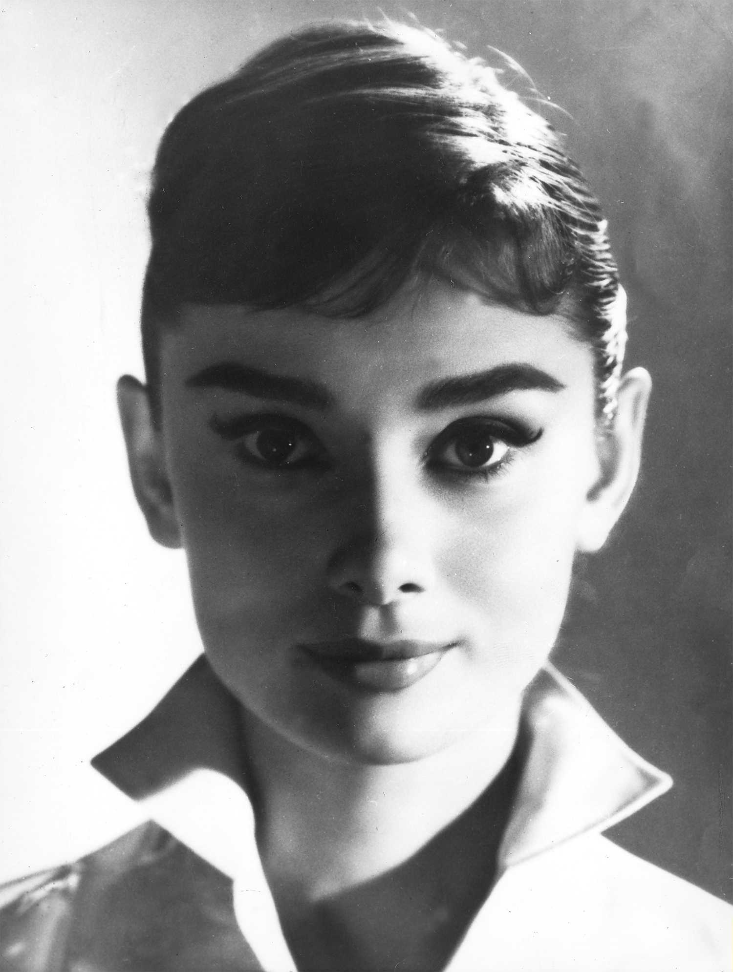 Audrey Hepburn Eye Makeup